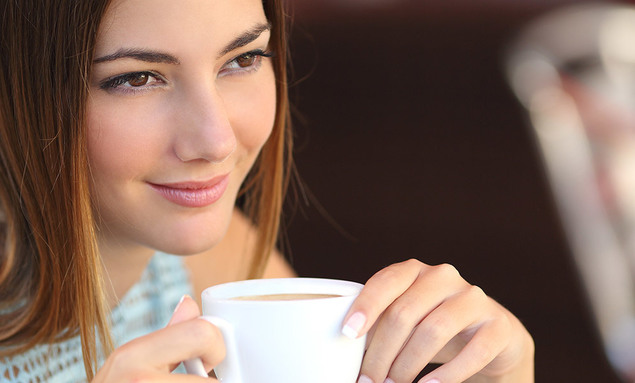 Dos tazas de café disminuyen el cansancio en los ojos